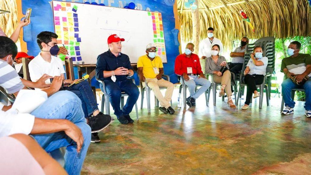 58724_gobernador-de-sucre-atendio-llamado-de-la-comunidad_1024x600